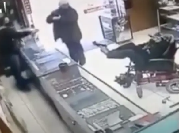 A Paralyzed Deaf-Mute Teenager Attempted To Rob A Jewelry Store In A Wheelchair With A Fake Gun That He Held With His Feet https://t.co/urHjdC1A9I https://t.co/CPZicYInCr