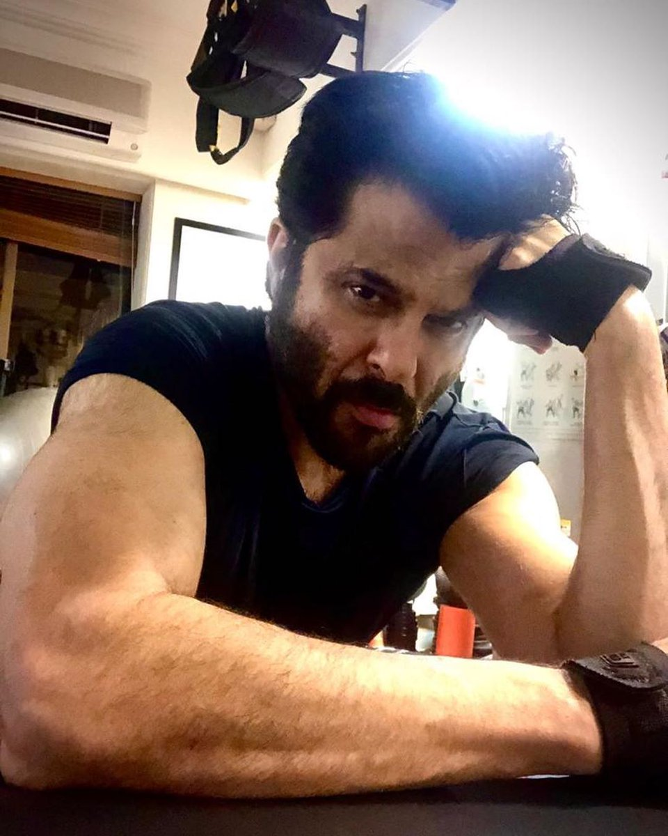 Guess the age   @AnilKapoor tell your secret diet to your fans including me   #Bollywood  @Bollyhungamapic.twitter.com/2Ob1v6Cpko