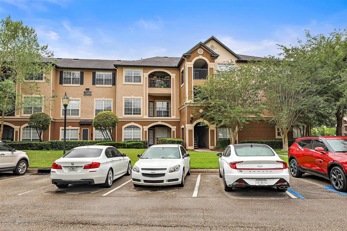 Ready to upgrade? Impeccable 1 BD/ 1 BA in Jacksonville has it all. Call/text/DM me!  http://cpix.me/l/98157983pic.twitter.com/NiVKrXUQwm