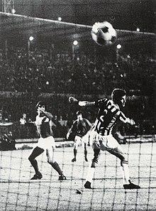 3/6/1971: a purgare la juve in #CoppaDelleFiere è il #Leeds. 2-2 a Torino e 1-1 in Inghilterra, la coppa vola all'estero e il palmares europeo della juve è ancora a secco. Perchè mica perdiamo solo le #Champions, noi! #Leedsjuve #finaliperse #finoalconfine https://t.co/jaIOZYROij