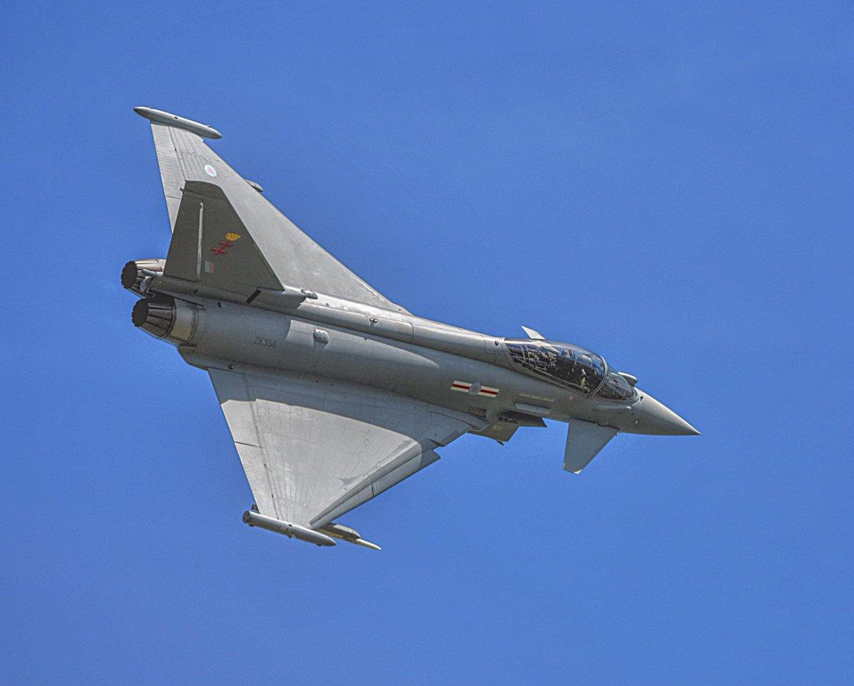 Tarnish69 @ the controls this afternoon #EGNO #Warton #Tarnish69 #BAEWARTON #eurofighter #typhoon https://t.co/rjVc4D1orq