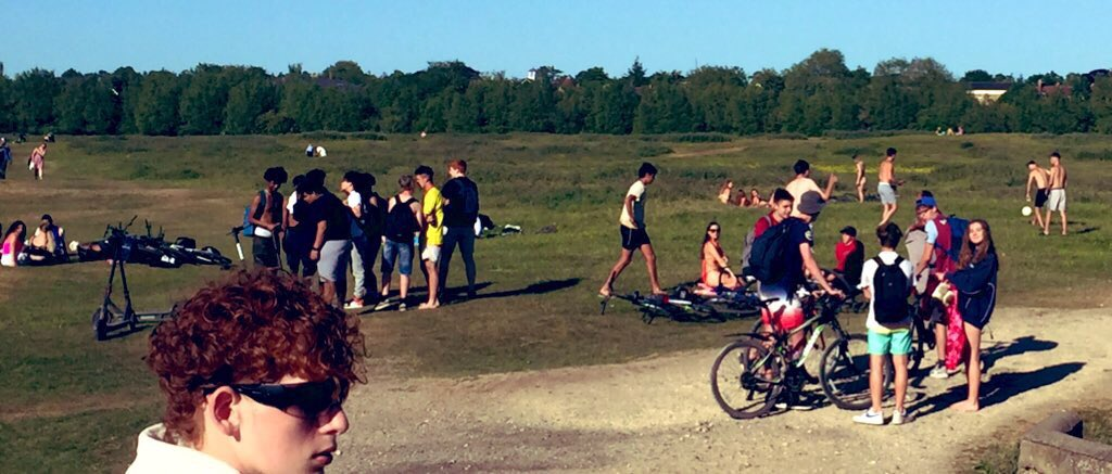 @trishgreenhalgh @guardian @trishgreenhalgh You mentioned north oxford deli - this is a small representation of port meadow this afternoon - clumps of young people all over each other, I mean forget masks and social distancing, welcome R rate >1!! As an ED physician I am worried.