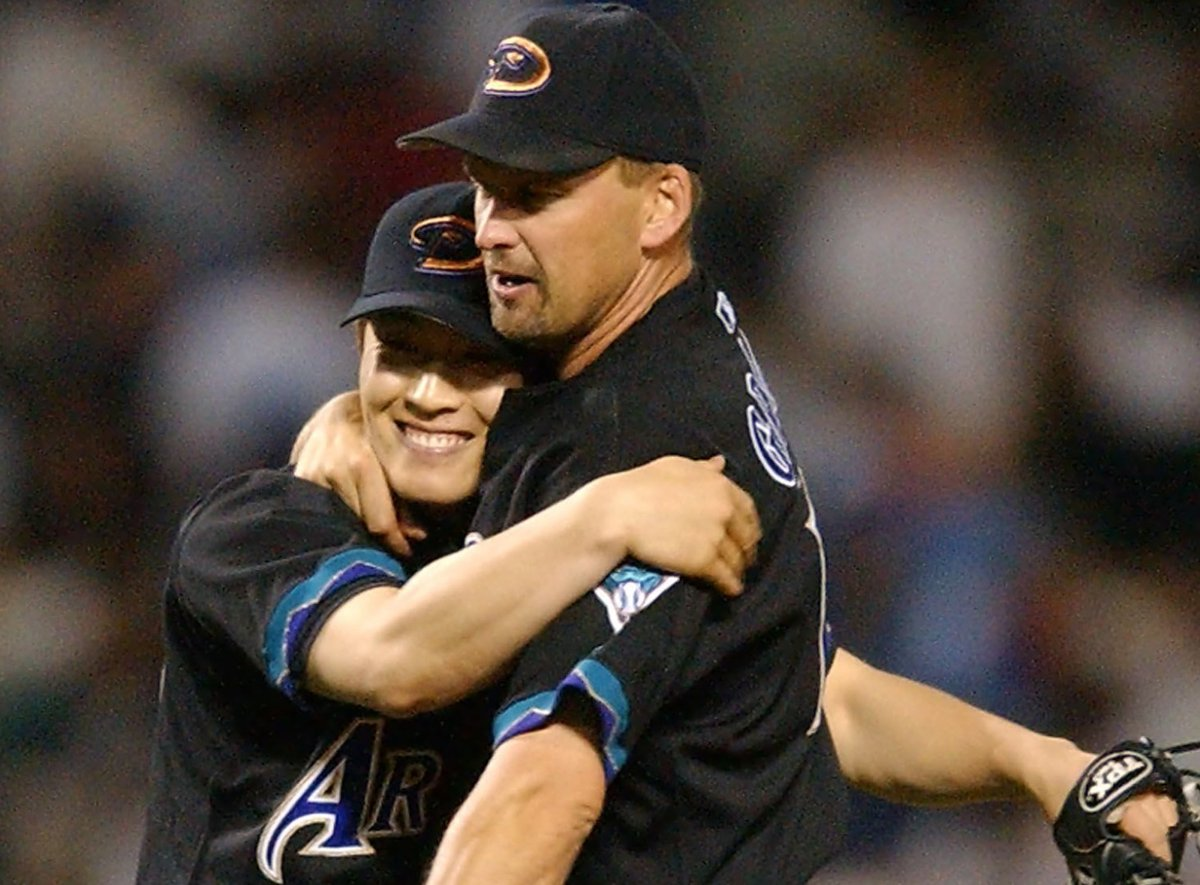 5/29/03 – The #DBacks acquired 1B Shea Hillenbrand from the Boston Red Sox for recent SP convert, Byung-Hyun Kim. At the time of the trade, Hillenbrand, 27, was batting .303 with 17 doubles and 38 RBIs in 49 games. Kim was 1-5 but owned a 3.56 ERA and 33K in 43 inn. #RattleOn pic.twitter.com/dT9ckhT1KB
