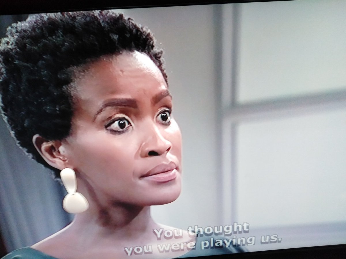 If #GomoraMzansi thought that they were gonnna rule the 7:30pm slot, they were very wrong. #etvScandal is fighting to keep its audience and we are staying. We are being served with great acting, great writing, great directing. Asiyindawo wo wo wo!!!!