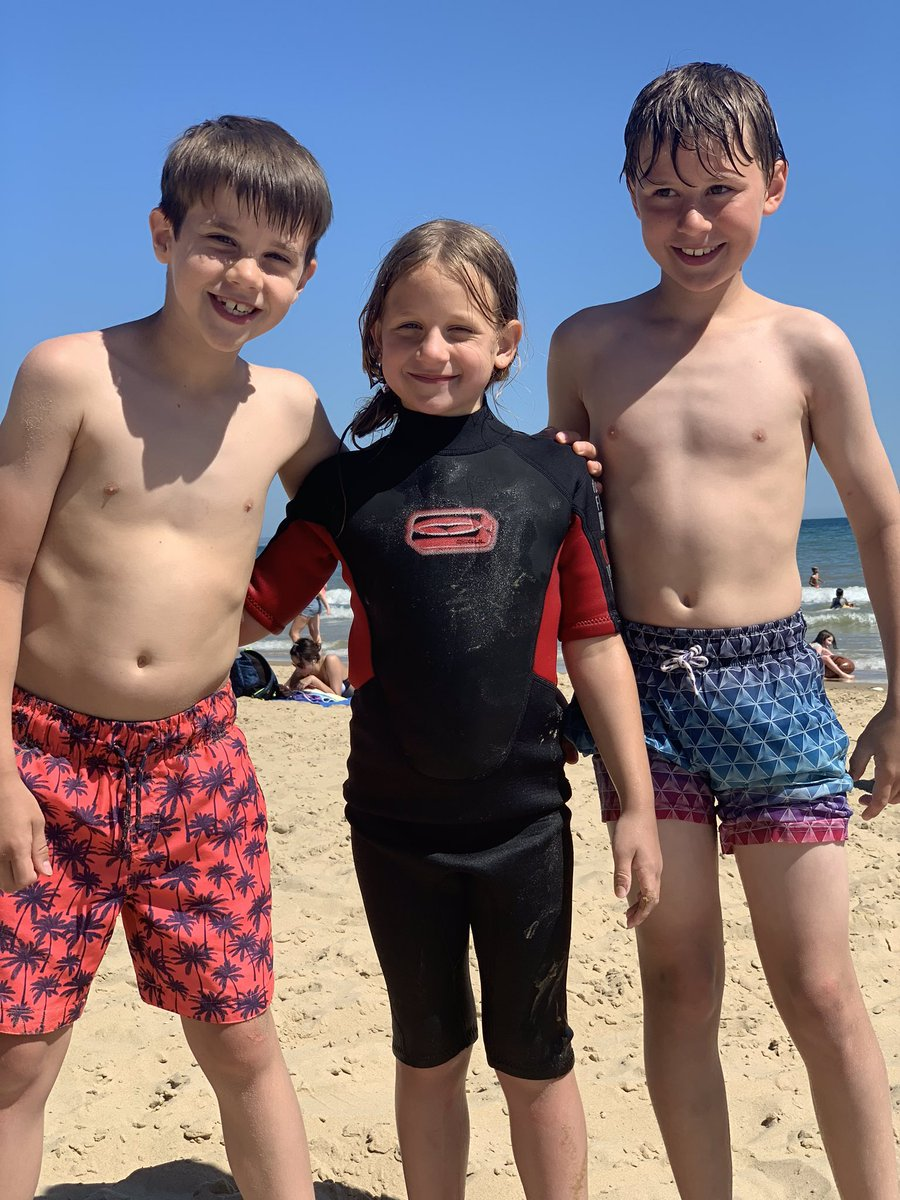 Amazing day at the beach. #familytime   pic.twitter.com/ZOXPEx8msv