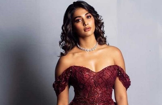 Pooja Hegde's Insta account hacked, leads to online war with Samantha fans - http://www.mykollywood.com/2020/05/30/pooja-hegdes-insta-account-hacked-leads-to-online-war-with-samantha-fans/ …pic.twitter.com/FKgFG0Dbn6