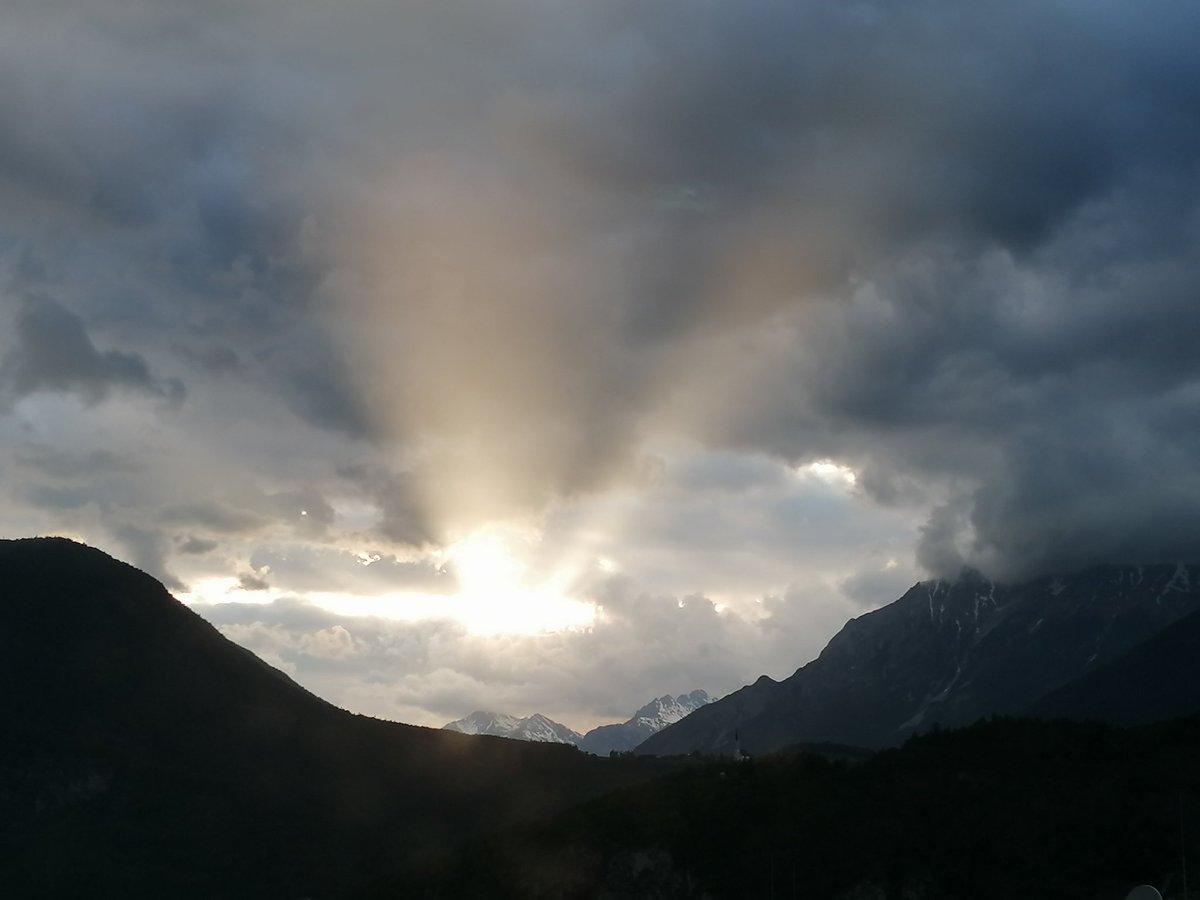 @SabinaHeinsohn @healthgenerati1 Ich habe auch einen Sonnenstrahl für dich LG Lexi ☀️ 😃 🌈 💞