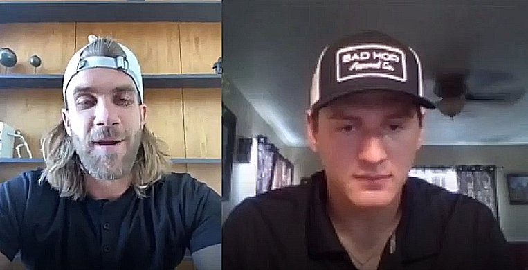 #MLBDraft prospect Jared Kelley was on a video call receiving his @Gatorade Player of the Year award when he was surprised by a certain #MLB ⭐️. Its just the latest accomplishment for Kelley, who attends high school in the town where Nolan Ryan was born: atmlb.com/2yNRWhm
