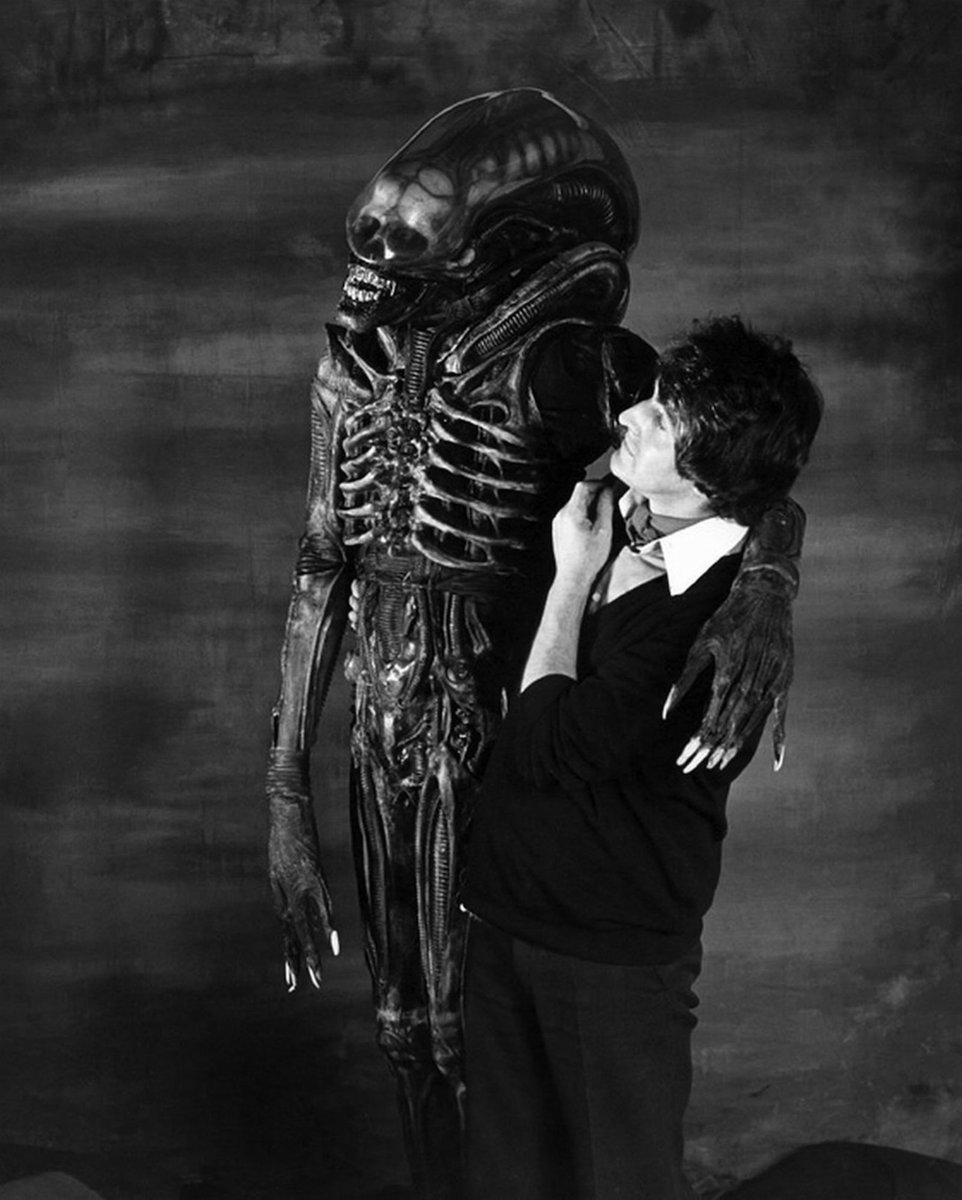 ALIEN (1979) by Ridley Scott #BehindTheScenes #Xenomorph #scifi #horrorpic.twitter.com/8ckQ6jLusu