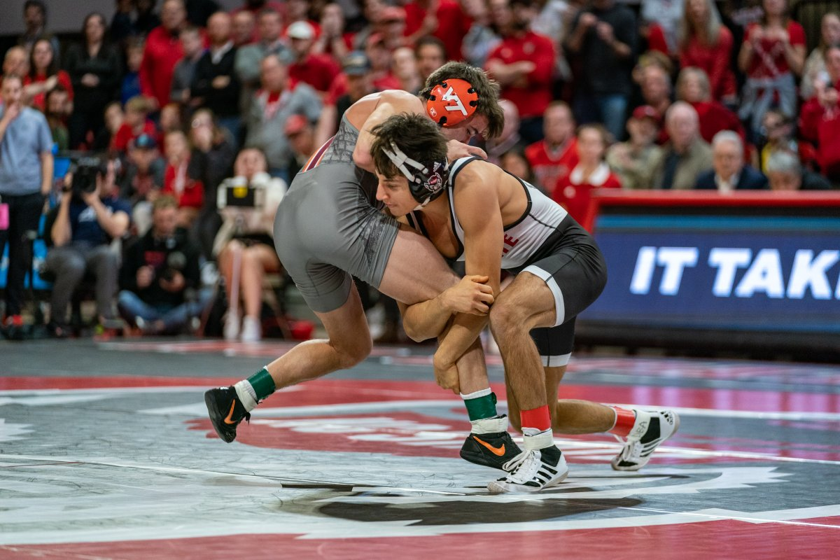 🚨Programming Alert🚨  Tonight at 6:00 PM (ET) the 2020 NC State-Virginia Tech dual will be reaired on @accnetwork.   Check your local listings to relive an instant classic which was won by @PackWrestle in a PACKed Reynolds Coliseum! https://t.co/JGUFkT4bTI