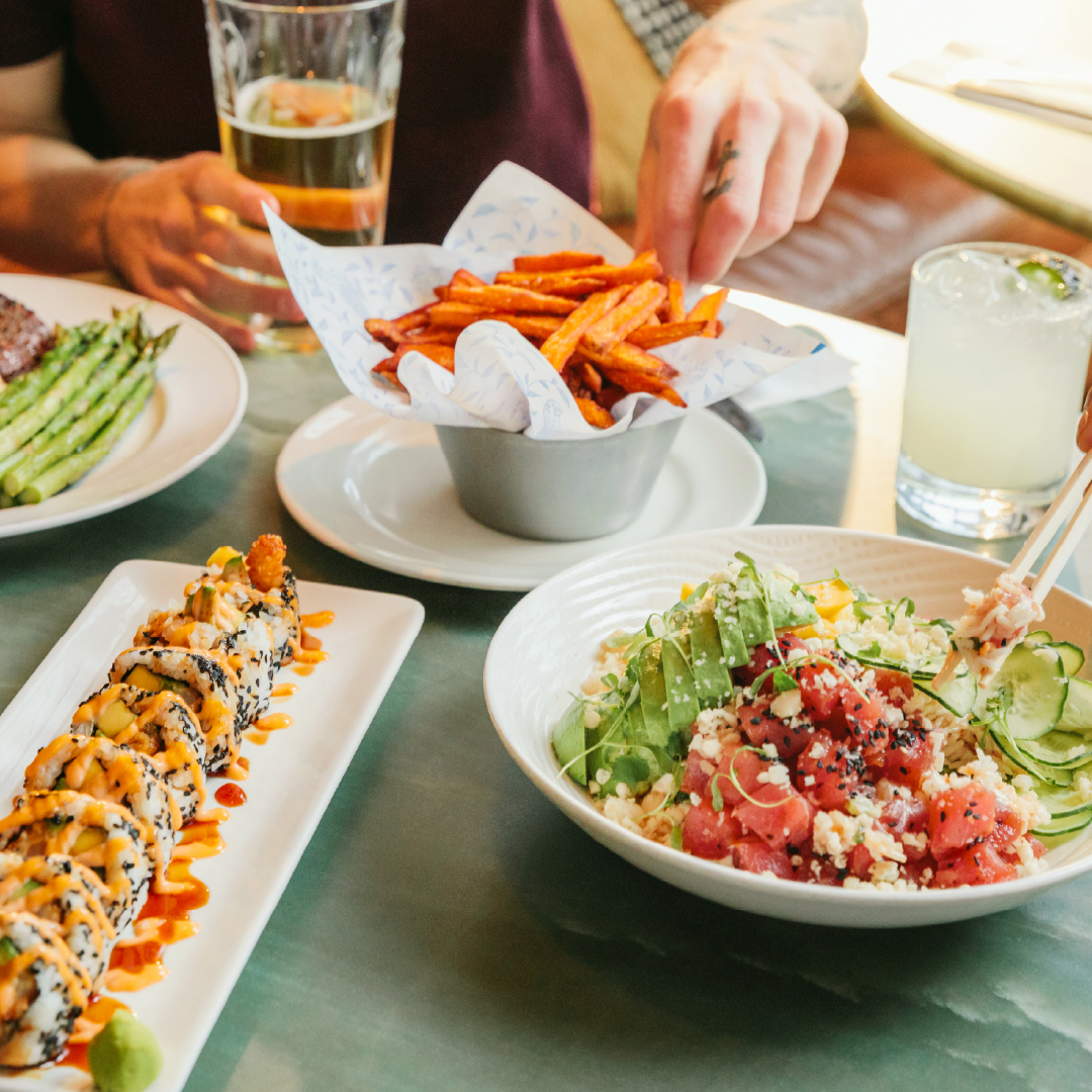 HAPPY HOUR STARTS NOW — Your friendly reminder that Happy Hour is back on daily from 2-5pm + 9pm-close. And it's Friday. Need we say more?   #EarlsHappyHour #TopPriority https://t.co/vXyYYvgttW
