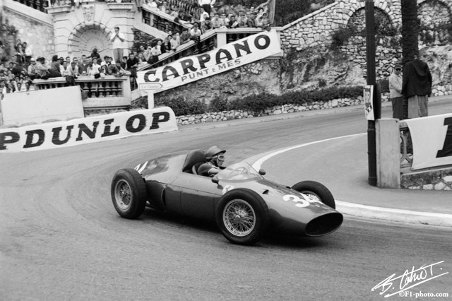 Richie Ginther made his #F1 debut at Monaco with Ferrari. 1960 #MonacoGP (Photo: Bernard Cahier @F1Photo) https://t.co/voiuRUWFBm