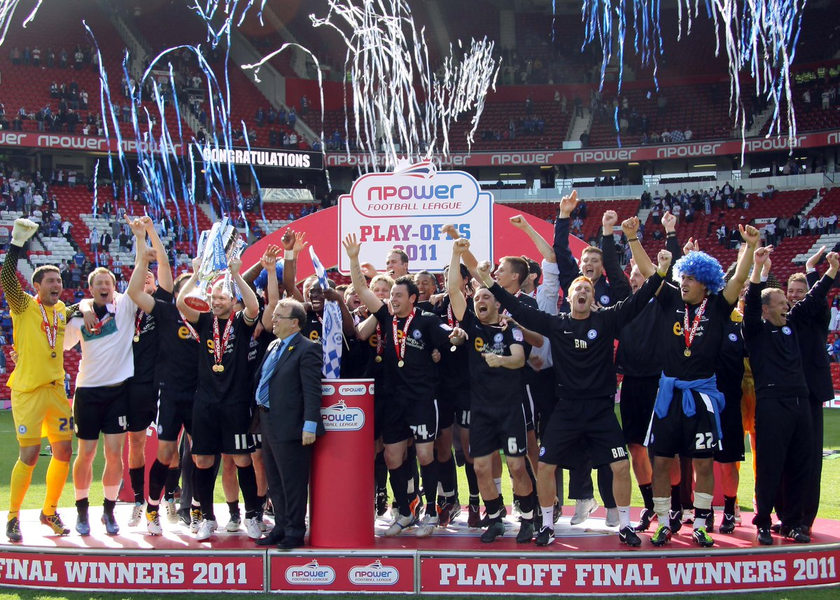 📷 Couldn't let today pass without sharing some pictures from the 2011 Play-Off Final victory at Old Trafford.  9 yeas ago today! Still remember every bit of the weekend, my favourite memories from my time at Posh, loved it! What a team...  #pufc #throwback #flashback #archive https://t.co/EFxhdfpJF3