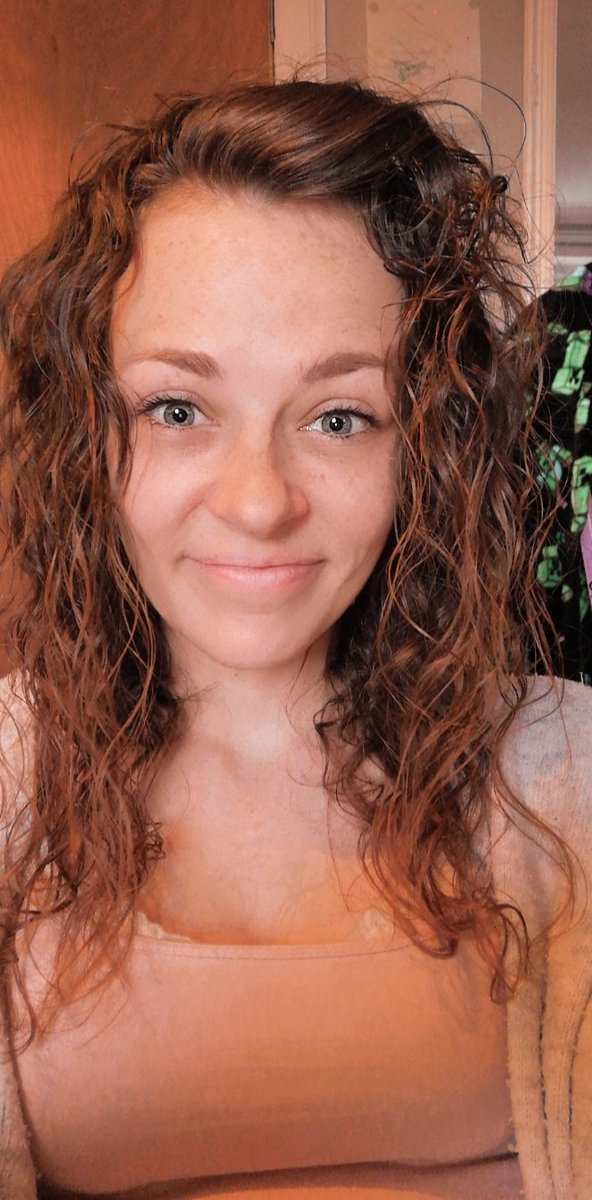 I wish I had a tan like this #snapchat #filter #tanpic.twitter.com/rrI5VKVVdy