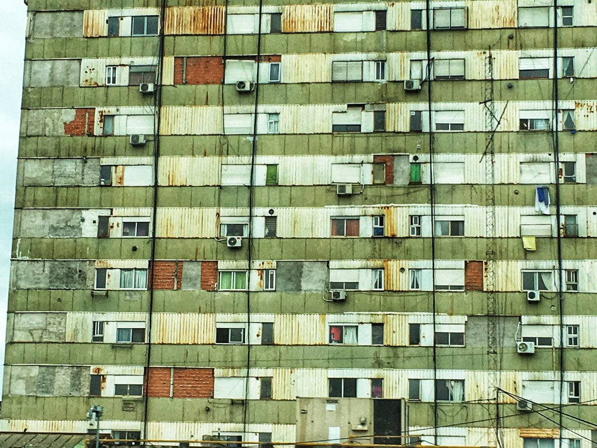 #Argentina ... the stories behind those windows ... #BuenosAirespic.twitter.com/C18eRJ4tJx