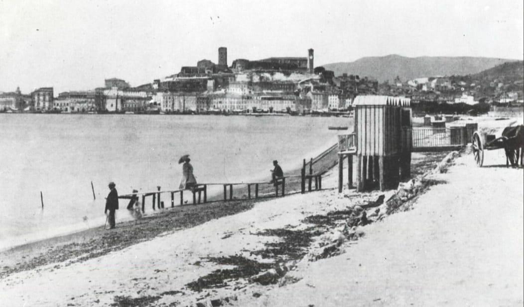#Pointmétéo souvenir des plages de #Cannes avant le confinement ... https://t.co/pRnoDANEZn