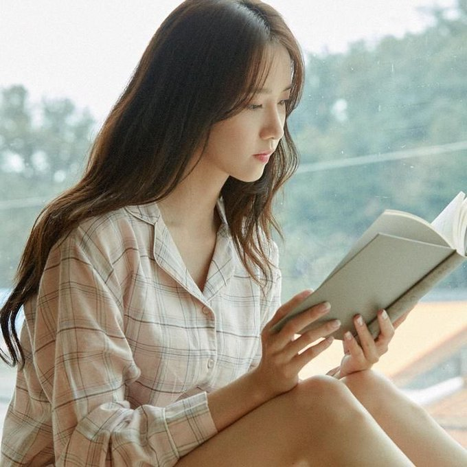 Happy birthday Im Yoona please stay healthy always!