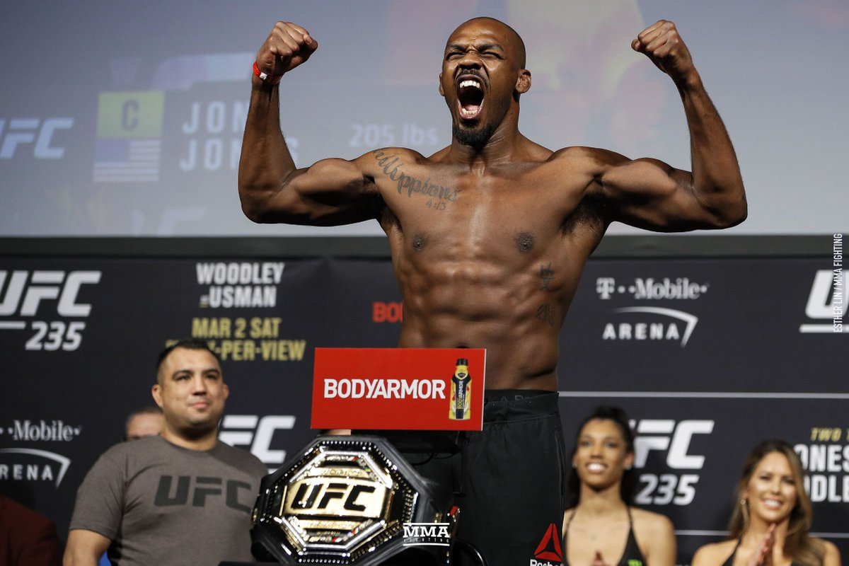 Jon Jones calls Dana White 'a f**king liar', asks for UFC release if his reputation 'causes you to undervalue me this much' (@DamonMartin) https://t.co/iPjjz7gXug https://t.co/OsN5ujElVZ