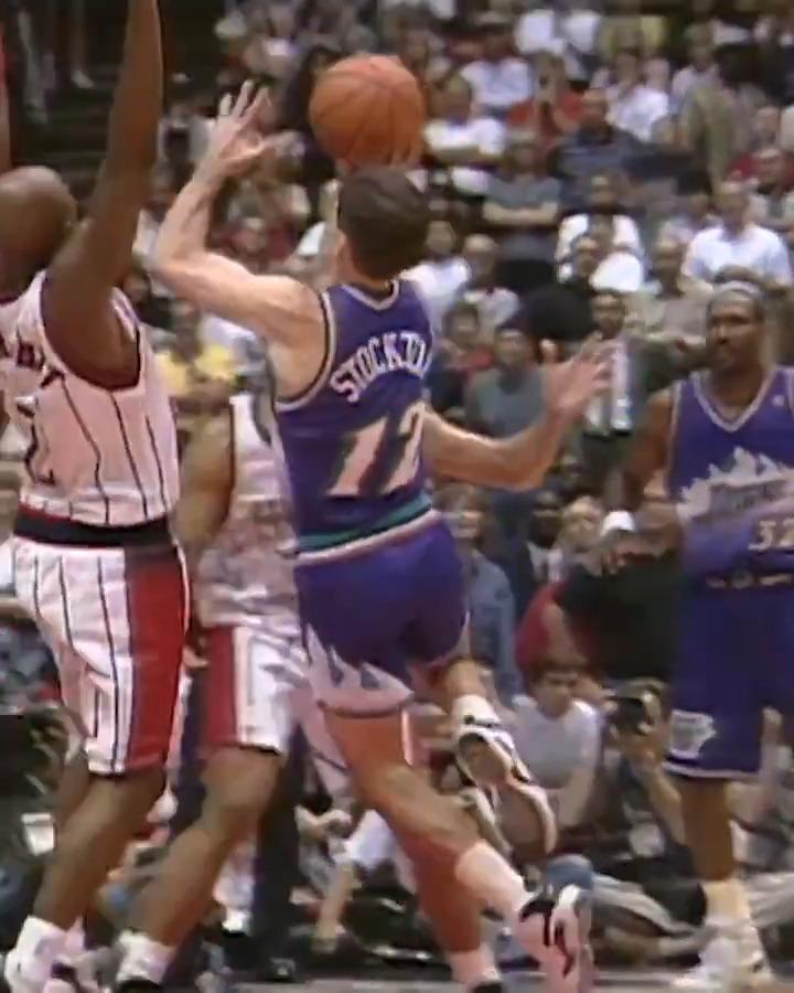 Maçın Son Bölümünde John Stockton Rockets Potasına Saldırıyor! #NBATogetherLive   🎵 22 Sayı (Son Çeyrekte 12) 🎵 Üst üste üç zor turnike!  https://t.co/4vAgnaoaTJ