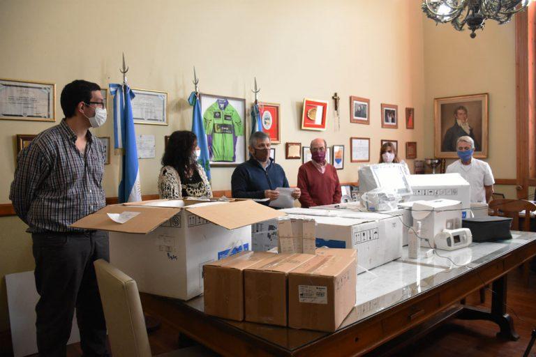#Chivilcoy Tres nuevos respiradores @BritosGuillermo http://laprovincianews.com.ar/index.php/2020/05/30/tres-nuevos-respiradores/…pic.twitter.com/Lqg3zHoOTl