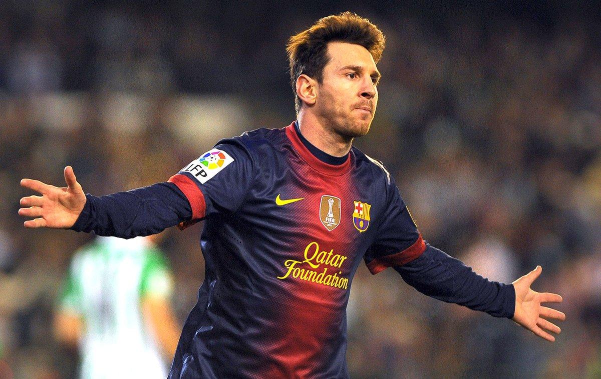 No ano de 2012:    - Manchester United marcou: 85 gols   - PSG marcou: 86 gols   - Chelsea marcou: 87 gols   - Borussia Dortmund marcou: 88 gols     Lionel Messi marcou: 91 gols https://t.co/jRAZgHZfcn