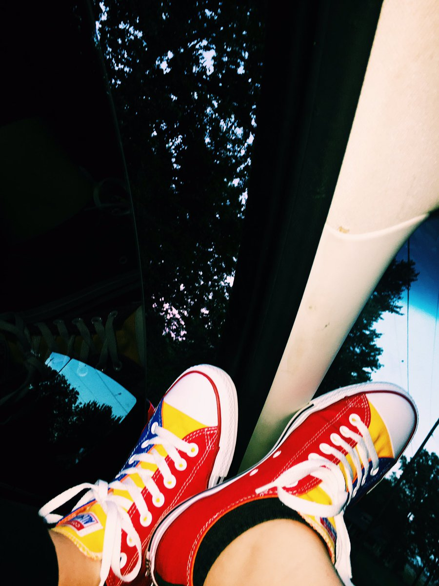 An adventure calls for your custom #Converse  pic.twitter.com/bwc2kAUFFs