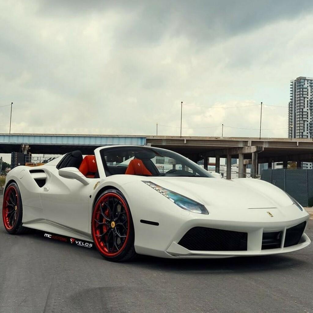 @yadier_marciano_molina's #Ferrari #488 on VXS10 @velosdesignwerks wheels by @mccustomsmiami • Photo Credit: @954mm • #carswithoutlimits #itswhitenoise #carbonfiber #composites https://t.co/qFeyeLlgvm https://t.co/TELfWkS8gU
