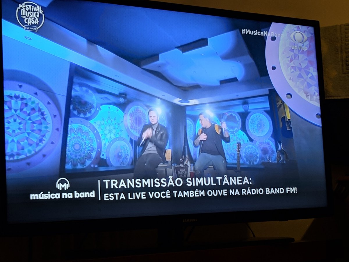 Adoro ♥️💔😍😭  #LiveMatheusEKauan #MusicaNaBand https://t.co/9ldQZhupU2