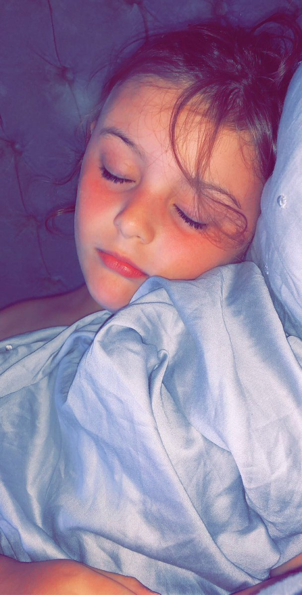 How hot is it  only 1 fan & sacrificed it for this little one, might have to get in her bed  #number1 #myangel #goodnightpic.twitter.com/rlXlQcXEnu