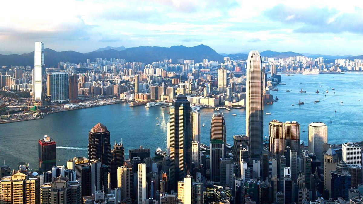 香港存在特殊意義 #文革 中,香港接納了以百萬計的內地逃亡同胞; #六四 中,港人搭建起一條通往自由世界的生命線;03年,港人走向街頭抗議23條惡法,14年 #雨傘運動,19年 #反送中,港人憑藉著他們對自由、人權及民主的信仰,在中共獨裁專制的最前沿, #閃閃發光。 全文👉https://t.co/oAqlgiJ8lF #HK https://t.co/3jyPqo7rU8