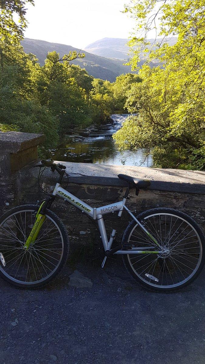 My day started like this 🌞😁 #bikeride #cyclepath #lônlas #views #mountains #afonogwen  #cymru
