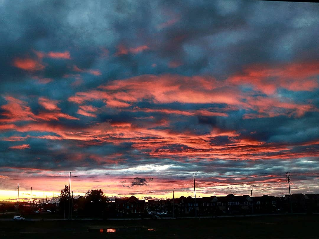 #photography #photoshoot #sky #sunny #clouds #cloudysky #sunset #orangesky #skies #sun #skyline #redclouds #skylinephotography #canoncamera #canonrebel #canonrebelt6i #canoncamerashoot #canonphotography #camerashootingpic.twitter.com/6i2RLDORHa