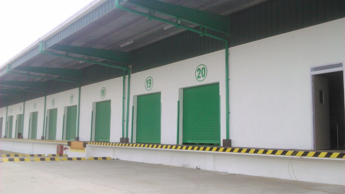 #Add Colors to your Business   Know More: https://kalakutir.com #Warehouse Painting pic.twitter.com/c3TBCYnuXg