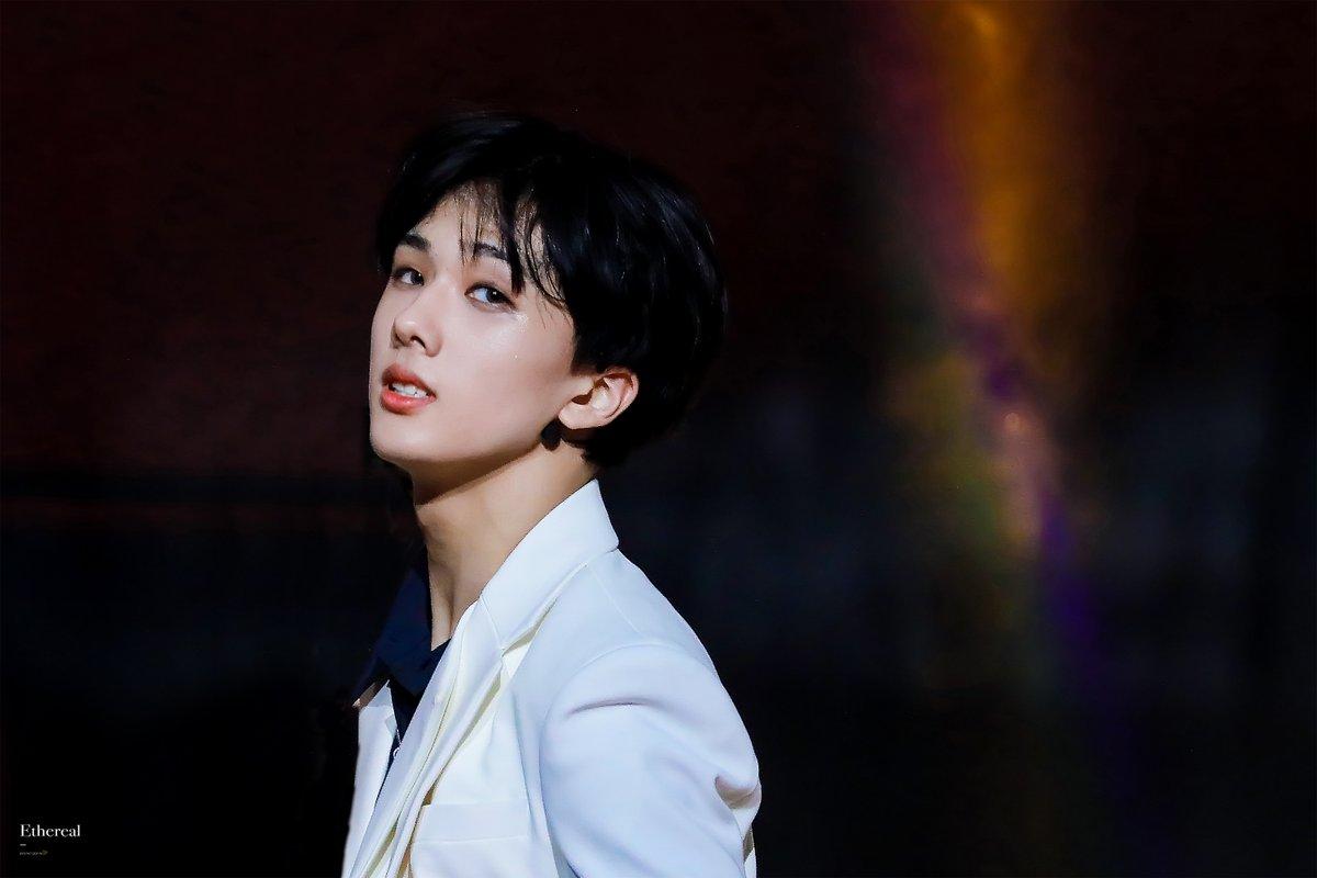 Miss U on the stage #지성 #JISUNG #NCT #NCTDREAM pic.twitter.com/LpIRQ7Q2X2