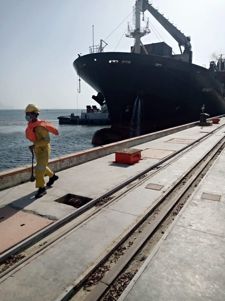 "First bulk-cargo ship ""MV Manet"" carrying wheat n urea of Afghan Transit trade reached Gwadar this week-a dream come true for local economy as it will stimulate host of business activity... #cpec #CPECMakingProgress https://t.co/Imi9T4fbt2"