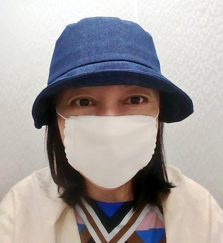 これからの季節は不織布よりアベノマスクのほうが断然涼しい。小顔でない私でもたっぷりサイズだよ。