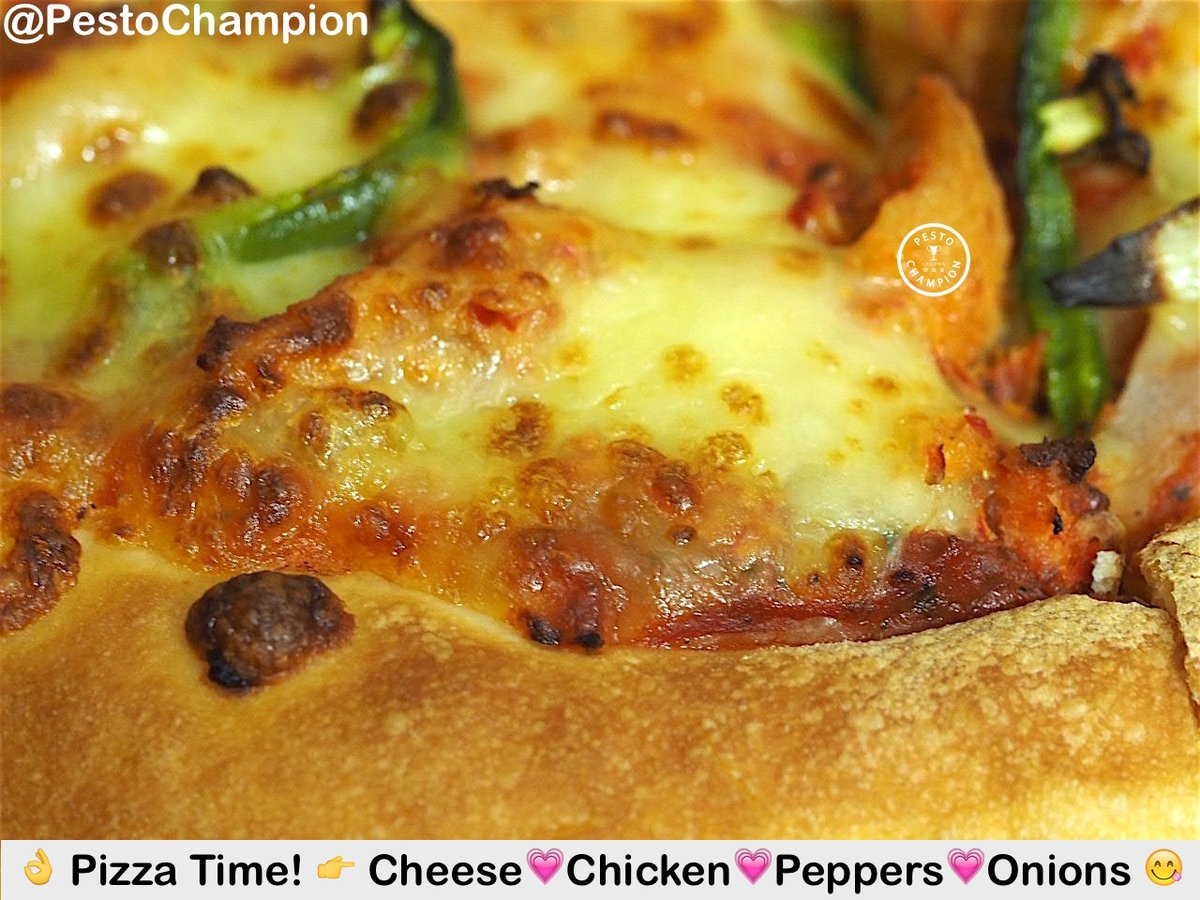 Enjoying a tasty Pizza! (ツ) More Delicious foodspiration by London Foodie #PestoChampion (ツ) NomNom  Love Food Blog Foodporn Fun Luxury UK FoodBlog  TravelBlogger lovefood foodlover England Yum PizzaPorn Dinner foodphotography foodpic cheese pic.twitter.com/jaFx36kc38