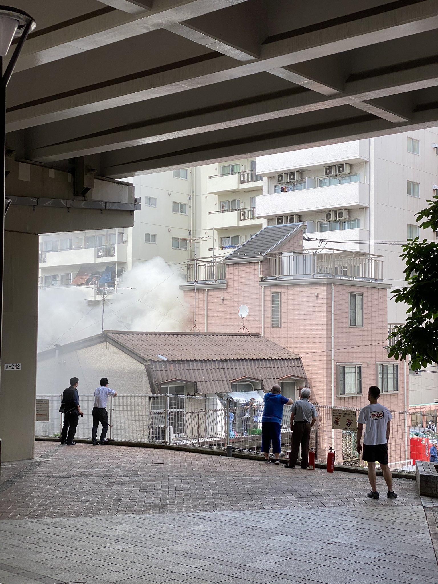 文京区音羽の火事で煙が充満している画像