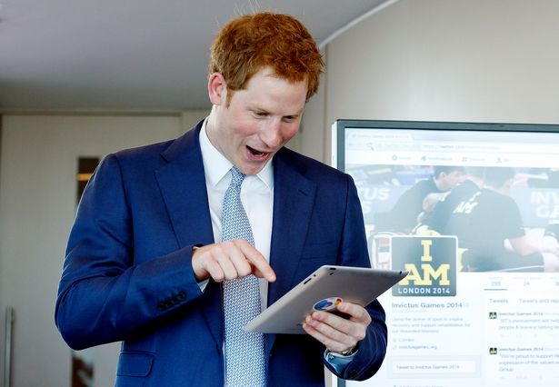 Prince Harry's secret Facebook account - and the unusual name he gave himself https://www.mirror.co.uk/news/uk-news/prince-harrys-secret-facebook-account-22108696?f…pic.twitter.com/wYefPyEVpc