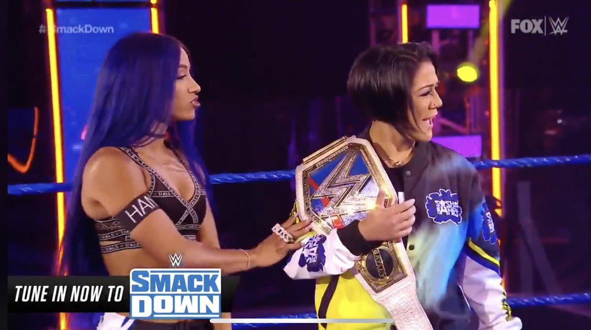 サーシャの腕に「HANA」の文字。#SashaBanks #WWE