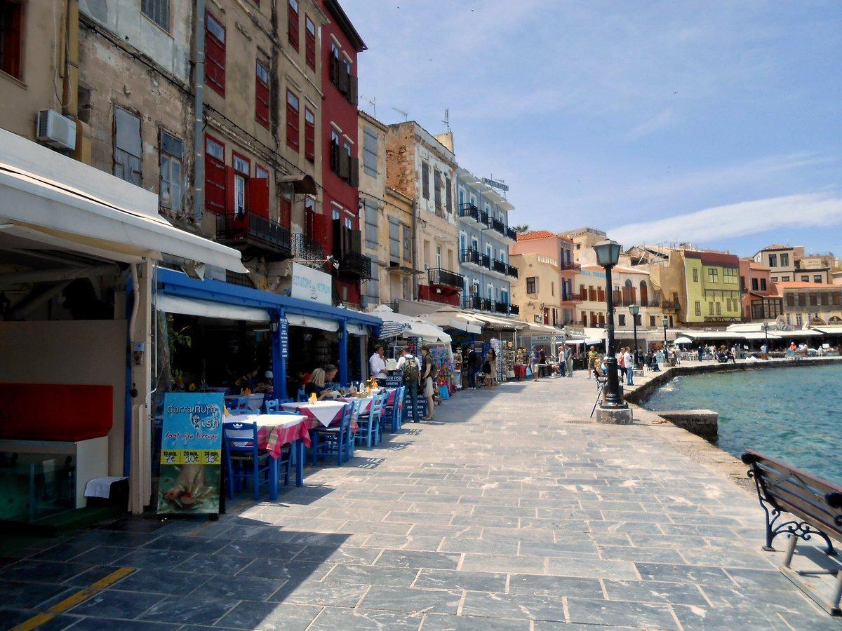 The colourful port of #chania in #Crete makes a lovely #MorningBeautiful view #Greece #creteisland # #IslandLife #island #travelphotography #travel #traveltribe #SaturdayMorningpic.twitter.com/w6RuHomnrj