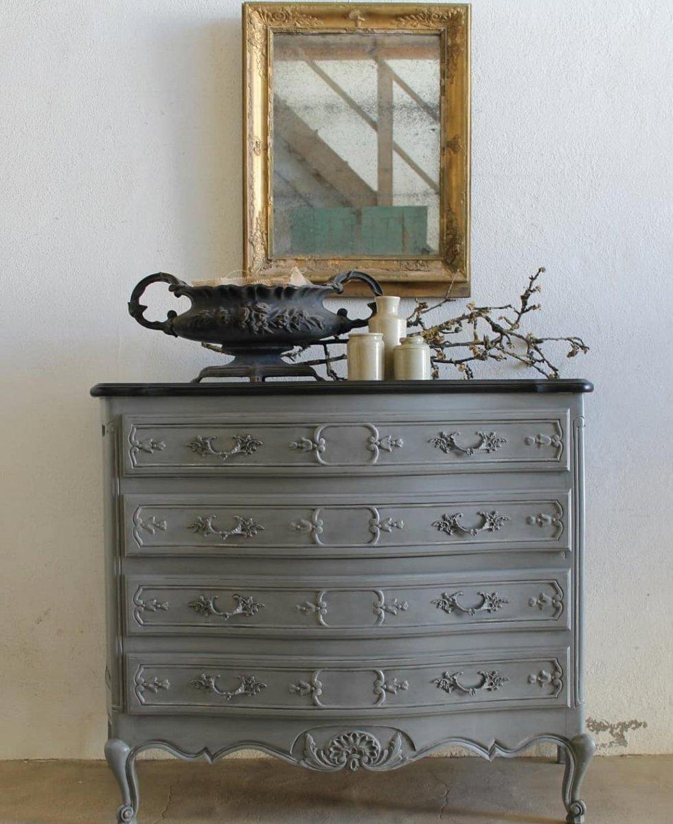 Louis XV style Commode...#French #decorative #countryhouse #interiors #decor #design #interiordesign #forsale #markchapmanantiquites #iledere #larochelle #coteatlantiquefrance #lewesfleamarket #sunburyantiques #nofilter