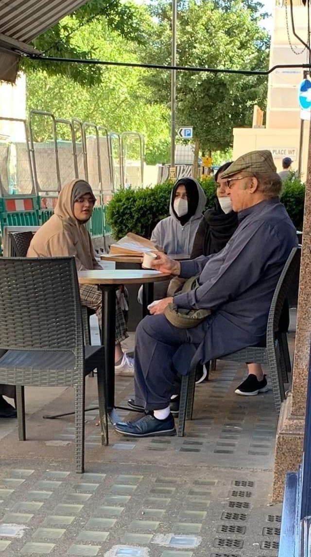Nawaz Sharif spotted in London  #NawazSharif #London #PMLN https://t.co/KVXiAZRHyM