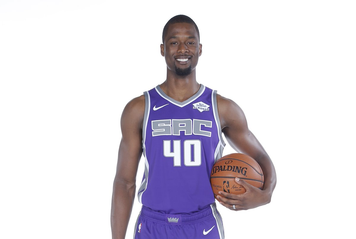 Join us in wishing @hbarnes of the @SacramentoKings a HAPPY 28th BIRTHDAY!   #NBABDAY #SacramentoProud https://t.co/txBVhl7f1u