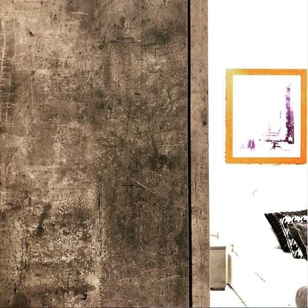 Questione di contrasti: complimenti a Bruno Renda CreativityDesigner     Show-room  per questo scatto d'autore che immortala un effetto decorativo sorprendente.  . #FELart #design #ispirazioni #decorazione #decoratoreedile #interiors #walls #materials #decoratoreedile