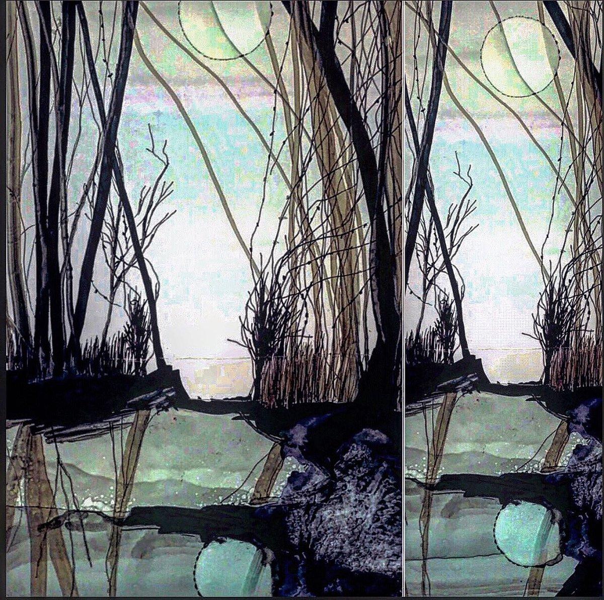 The Moon In The Lake.  Alcohol Inks Windsor&Newton ink and isopropyl #ArtistOnTwitter #ink #contemporaryart #moon #painting #alcoholinks #PainterOfTheNightpic.twitter.com/ubEjUH5Wkd