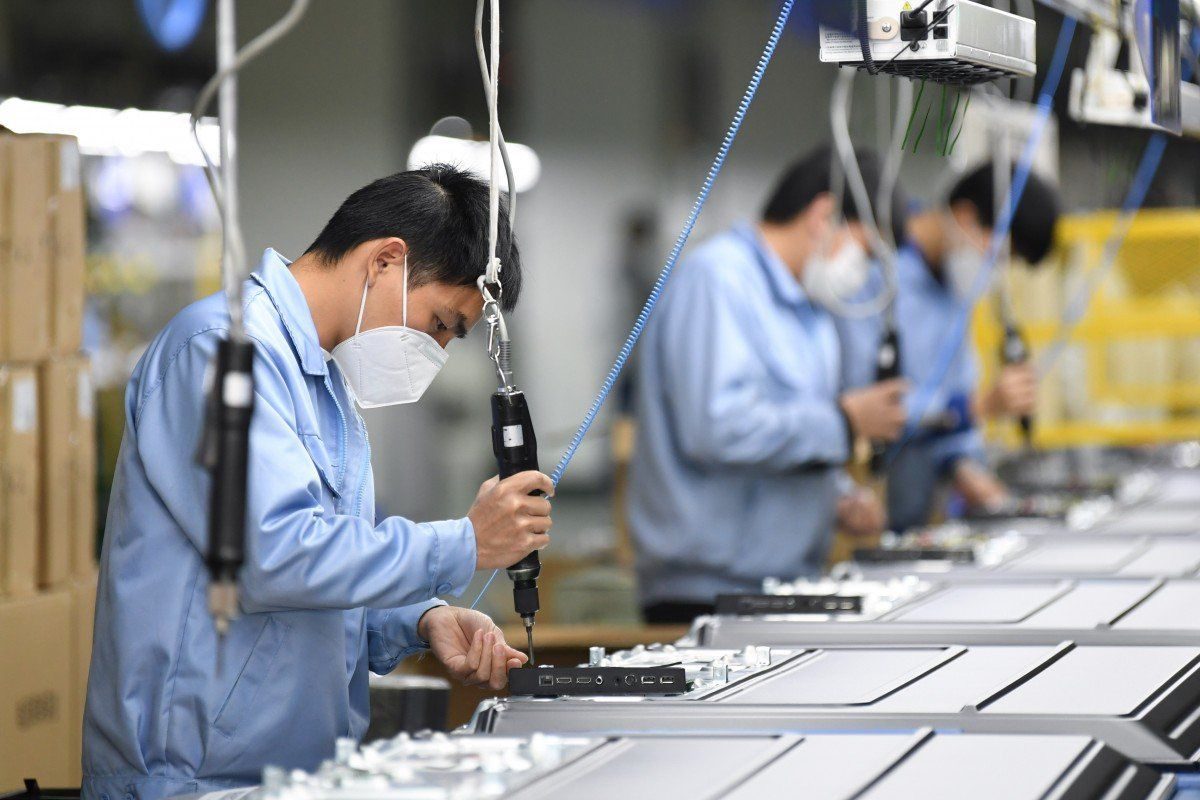 Vietnam gov't waives taxes to boost economic recovery #Vietnam #Covid19 #coronavirus #ncov #pandemic #economicrecovery #taxwaiving #deferral #corporatetax #SMEs #NationalAssembly #parliament #publicinvestment #aviation   http:// hanoitimes.vn/vietnam-govt-w aives-taxes-to-boost-economic-recovery-312313.html   … <br>http://pic.twitter.com/swIQITtJbs