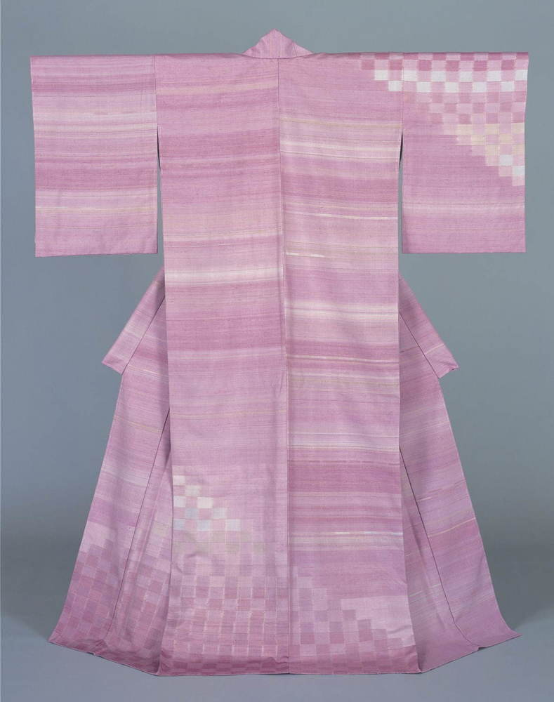 """「志村ふくみ展」姫路市立美術館で、""""人間国宝""""の染織家による草木染の紬織着物100点が集結 -"""