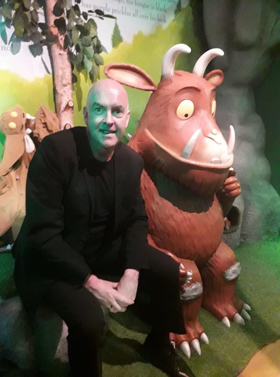 this popped up on my memories - this time last year I was at the amazing family arts centre @Z_arts_mcr to see the outstanding  #Gruffalo exhibition - happy times and I so miss being able to visit our fabulous cultural venues across the city and see the creativity of the sectorpic.twitter.com/9D0kWdP1V3