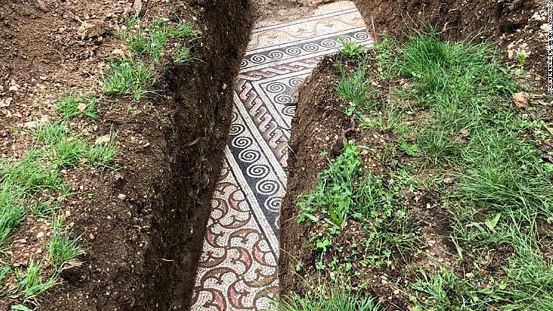 Roman mosaic floor found underneath vines in northern Italy  via @CNNStyle #mosaic #Roma #Italia #archaeologie